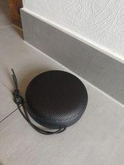 Bang Olufsen tragbarer Lautsprecher beoplay