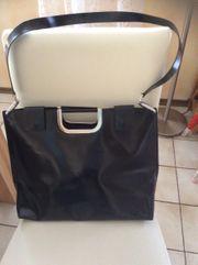 Handtasche Disser schwarz Leder