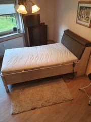 Bett elektrisch verstellbar