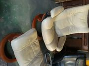 Stressless Sessel mit Fußhocker