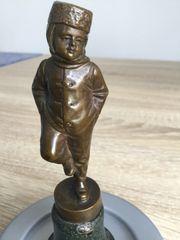 Bronzefigur auf Marmorsockel signiert FüLLBORN