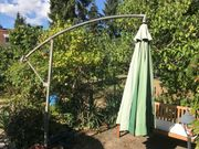 Großer Sonnenschirm für Terrasse