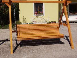 Bild 4 - Hollywoodschaukel Gartenschaukel Holz fertig lasiert - Tyrlaching