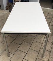Tisch weiß 2 Stück vorhanden