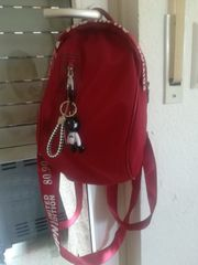 Handtasche in Rucksack Form