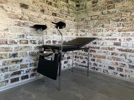 Fetisch Ausstattung - Behandlunsliege - Gyno Stuhl - Milking Table