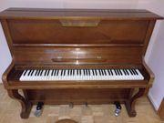 Klavier mit Hocker - Fa Schimmel