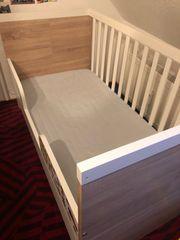 Babybett und Kinderbett