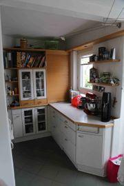 Küchenmöbel mit Elektrogeräte