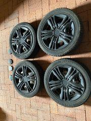 4 Allwetter Reifen mit Stahlfelgen