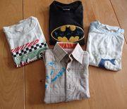 3 Jungen-Kurzarm-Shirts und 1 Jungen-Langarmhemd
