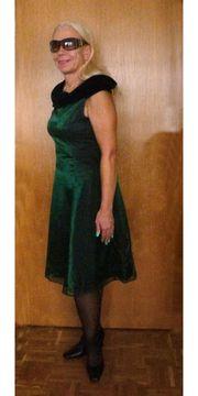 Festliches Kleid schimmerndes smaragdgrünes Abendkleid