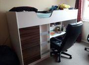 Schreibtischbett