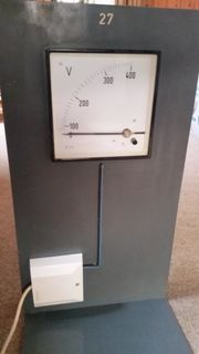 Voltmeter Einbauvoltmeter im Stativ 400