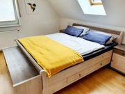 Schlafzimmermöbel aus massiven Kiefernholz