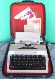 DDR-Reiseschreibmaschine ERIKA daro S50 60
