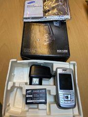 Handy Mobiltelefon Samsung SGH-E250 leicht