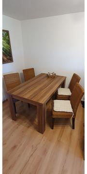 Tisch inkl 4 Stühle