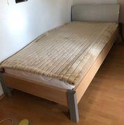 Sehr schönes Jugendbett 100 x