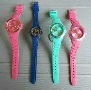 4 schöne Uhren mit Silikon-Armband