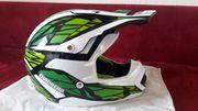 Neuen Moped-Cross Helm