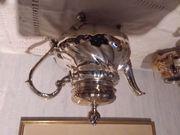 Teekanne mit Sahnekännchen und Zuckerdose