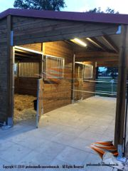 Aussenboxen Pferdeställe Pferdeboxen Weidehütte Offenstall