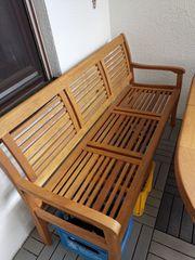 Gartenbank mit großem Tisch