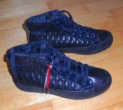NEUE schwarze Schuhe Schaft gefüttert