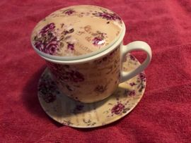 Tee Aufbrühtasse und Küchenwand Uhr: Kleinanzeigen aus Bischofrode - Rubrik Geschirr und Besteck