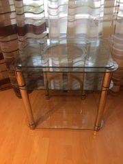 Hochwertiges Hifi-Rack aus Glas
