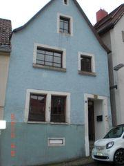 Kleines freistehendes Haus zu verkaufen