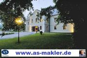 Schloss-Hotel mit Pferdestall auf 35000