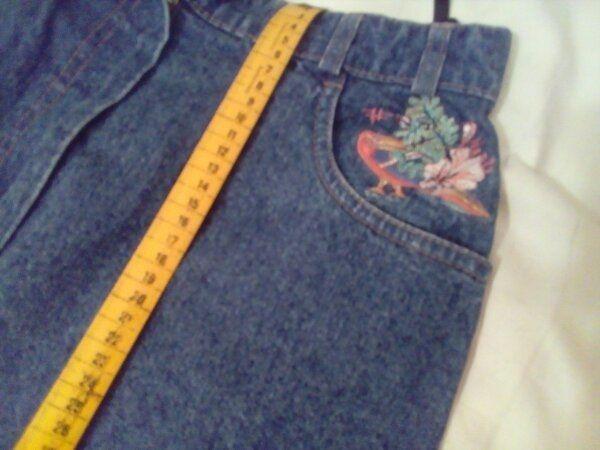 Jeansrock mit Stickerei zu verschenken