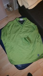 Fast neues Sport - Shirt in