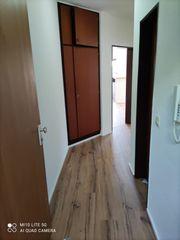 Helle vollständig renovierte 2 Zimmer-Wohnung