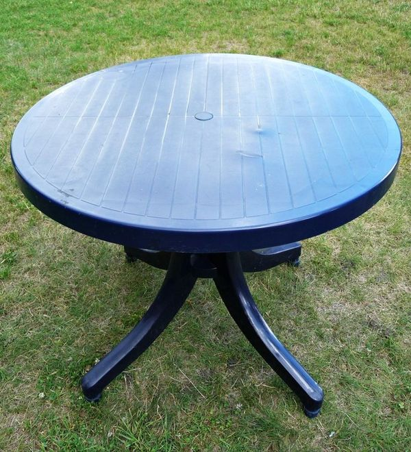 Runder Tisch kaufen / Runder Tisch gebraucht - dhd24.com