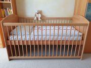Massives Kinderbett mit Matratze - top