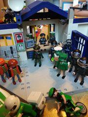Playmobil Polizeistation mit viel Zubehör