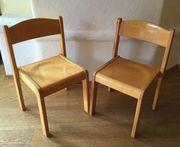2 Kinderstühle aus Holz
