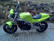 Triumph Speed Triple 955i Streetfighter