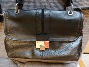 Damen-Handtasche grob genarbt fast wie