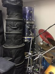 Schlagzeug zu vermieten