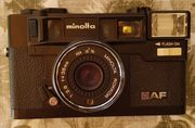 Analog-Kamera Minolta HI-Matic AF mit