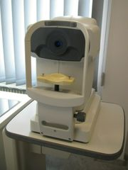 Autorefraktometer Rodenstock RX 900 Hubtisch