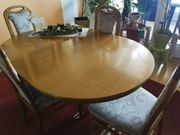 guterhaltene Tischgarnitur mit 6 Stühlen
