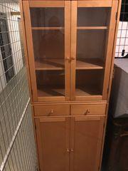 Küchenschrank aus Buchenholz mit Glastüren
