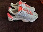 NEU Nike Schuh in Größe