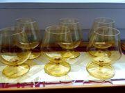 6 gelbe DDR-Gläser mit Tablett