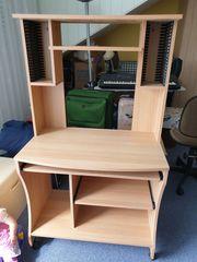 Computertisch mit Aufbau
